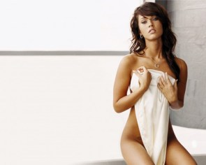Megan Fox – Nude (but with a stupid towel)
