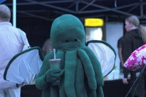 Cthulhu Cosplayer