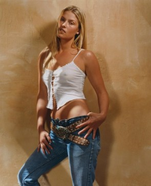 Ali Larter – White Top 02