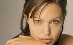 Angelina Jolie – Amazing Eyes