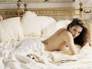 angelina jolie – bed time sideboob