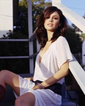 Rachel Bilson – white shirt 1