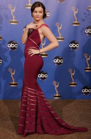 Amber Tamblyn – Emmy 2004 press area 02