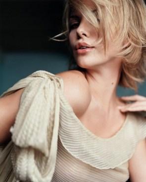 Charlize Theron – Photoshoot Raws 08