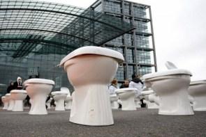 Toilet Display