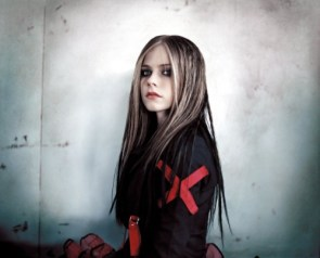 Avri lLavigne Has A Red X