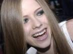 Avril Lavigne Chews Bubble Gum