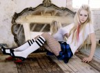 Avril Lavigne – Fishnets and Mirrors