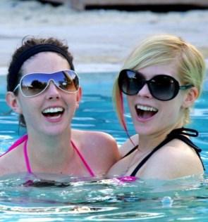 Avril Lavigne Has Lesbian Pool Sex