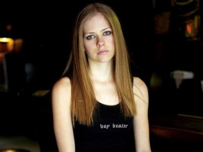 Avril Lavigne is a boy beater