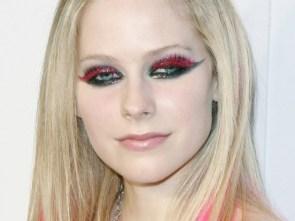 Avril Lavigne Is A Super Eyed Freak