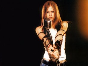 Avril Lavigne Is angry at that dammed microphone