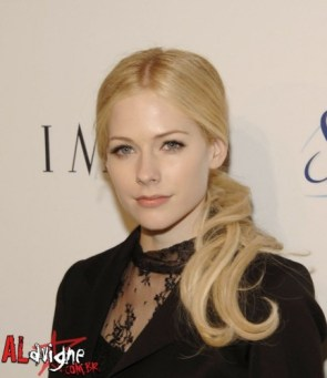 Avril Lavigne Is Nicole Kidman
