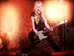 Avril Lavigne Plays The Guitar in a dramatic way