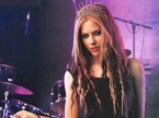 Avril Lavigne wears a crown