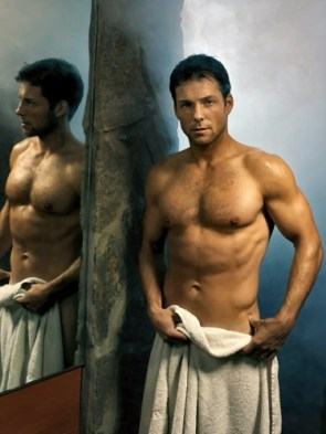 Jamie Bamber In Towel