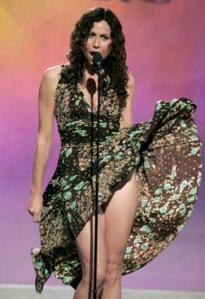minnie driver – near upskirt