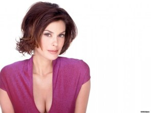 Teri Hatcher In Purple 1