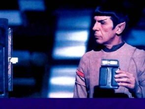 Star Trek – Spock Reads His Tricorder