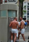 beefy toilette men