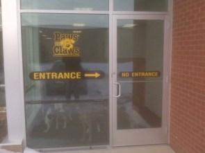 entrance – no entrance