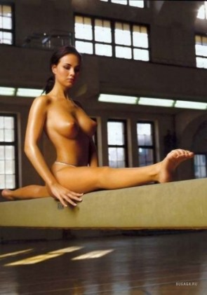 nsfw – nude balance beam