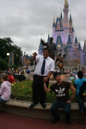mocking the Walt Disney Statue