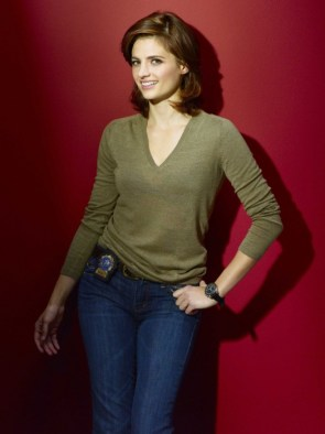 stana katic – castle promo picture – green top