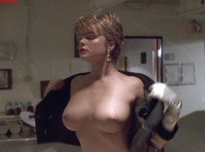 Erika Eleniak Under Siege 02