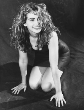 julia roberts – young and black and white