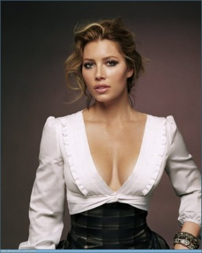 Jessica Biel – low cut shirt