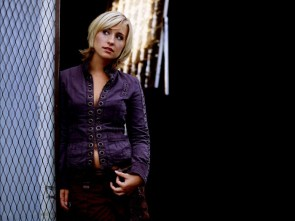allison mack – is that a belly ring