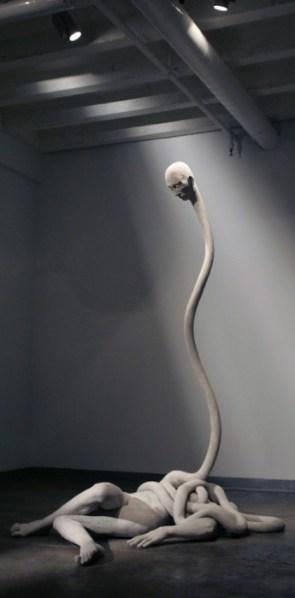 Emil Alzamora – elastic neck