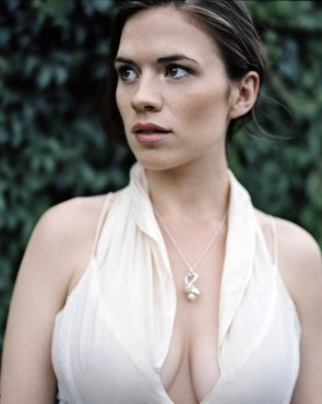 hayley atwell looking right