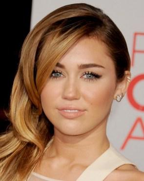 Miley Cyrus – 38th People's Choice Awards (January 11, 2012)