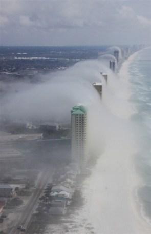 cloud tsunami waves