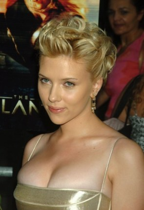 Scarlett Johansson – golden orbs