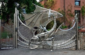 iron dragon gates