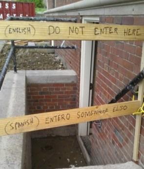 do not enter here in spanish