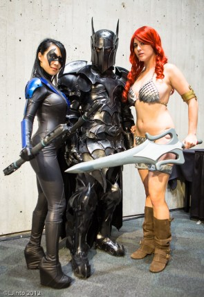 awesome cosplay – nightwing, batman red sonja
