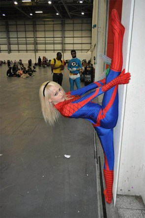 wall spit spider-girl