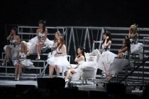 brides on stage
