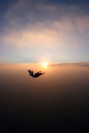 a freefalling skydiver