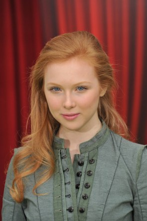 molly quinn looks into your soul