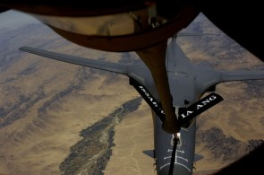 fighter refueling