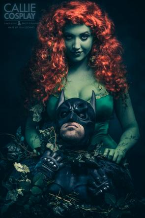 poison ivy – choking cosplay