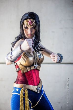 Wonder Woman cosplayer – punchey