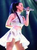 """Katy Perry – """"Prismatic"""" tour in Belfast"""