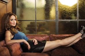 Jennifer Lawrence – legs