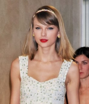 taylors white flower dress